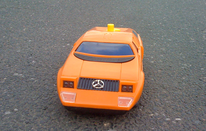 Mercedes C111 - Radio Shack ()